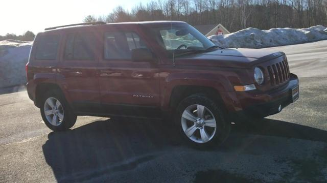 Pre Owned 2017 Jeep Patriot Laude 4x4