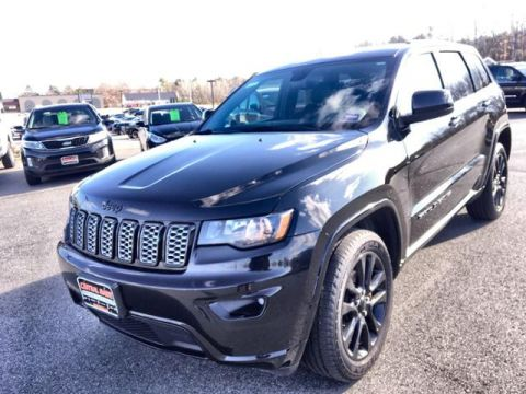 Pre-Owned 2017 Jeep Grand Cherokee Altitude 4x4 *Ltd Avail* 4WD